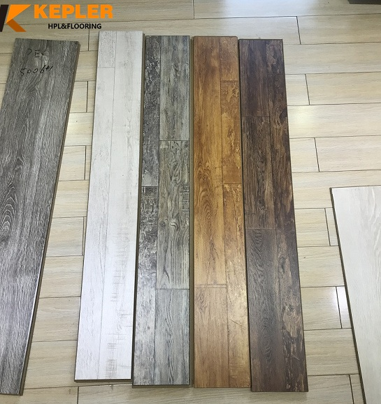 Synchronous Surface Laminate Flooring Hot Sale